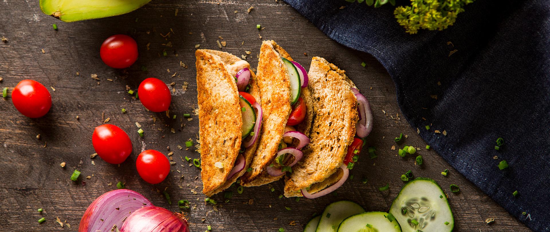 Tacos de frango e vegetais