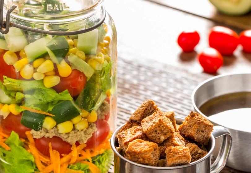 Salada no Pote com Croutons Agridoce