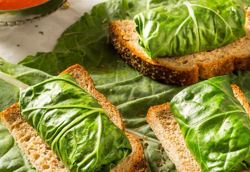 Rolinhos de couve no pão integral