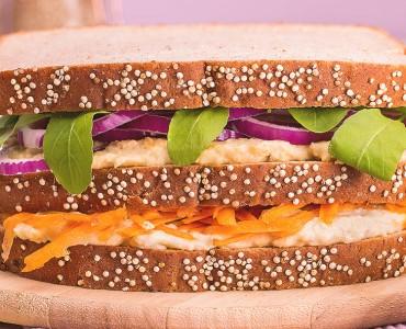 Sanduíche natural de grão de bico