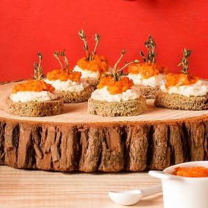 Canapé de palmito com pesto de pimentão vermelho