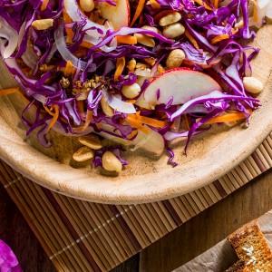Salada Asiática com sticks crocantes