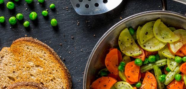Legumes Glaceados acompanhados de torrada integral